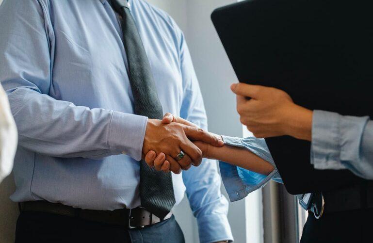recruter commerciaux